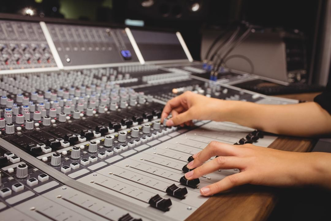 10 Best Audio Editing Software (Free and Paid) For You